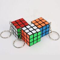 Cubes magiques porte-clés pendentif torsion puzzle jouets pour