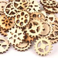 Forme d'engrenage de roue en bois naturel, inachevé pour