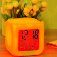 Cube led 7 couleurs changeantes réveil de bureau numérique - montre