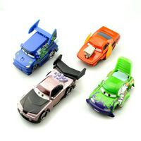 Disney pixar cars 3 lightning mcqueen jackson storm mater 1:55 moulé