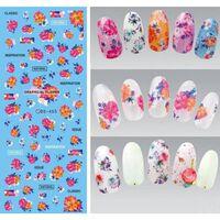 Art élégant des ongles floraux - conception de décorations de